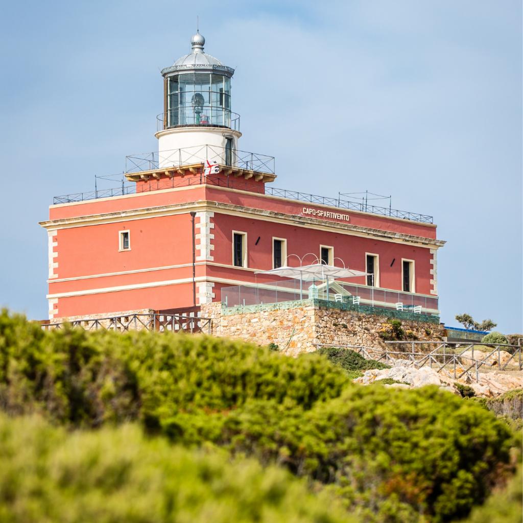 Faro-di-capo-spartivento-ali-del-mare