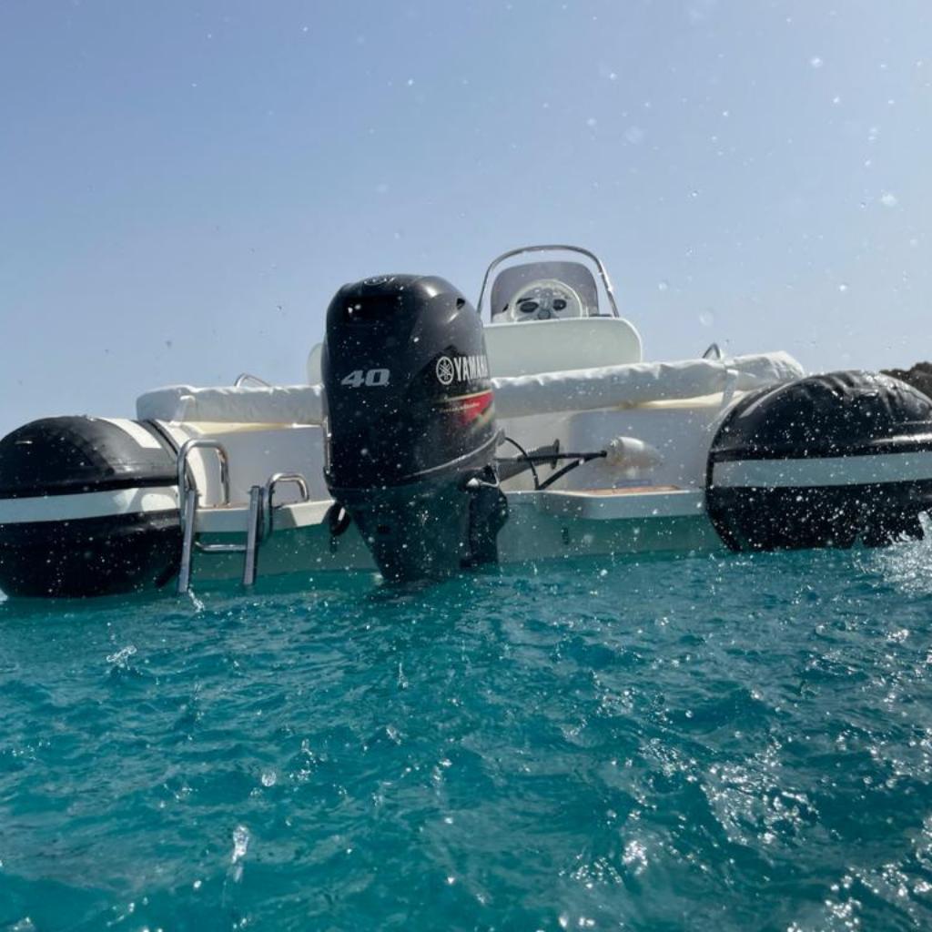 gommoni-chia-ali-del-mare-joker-boat-520-nero-1